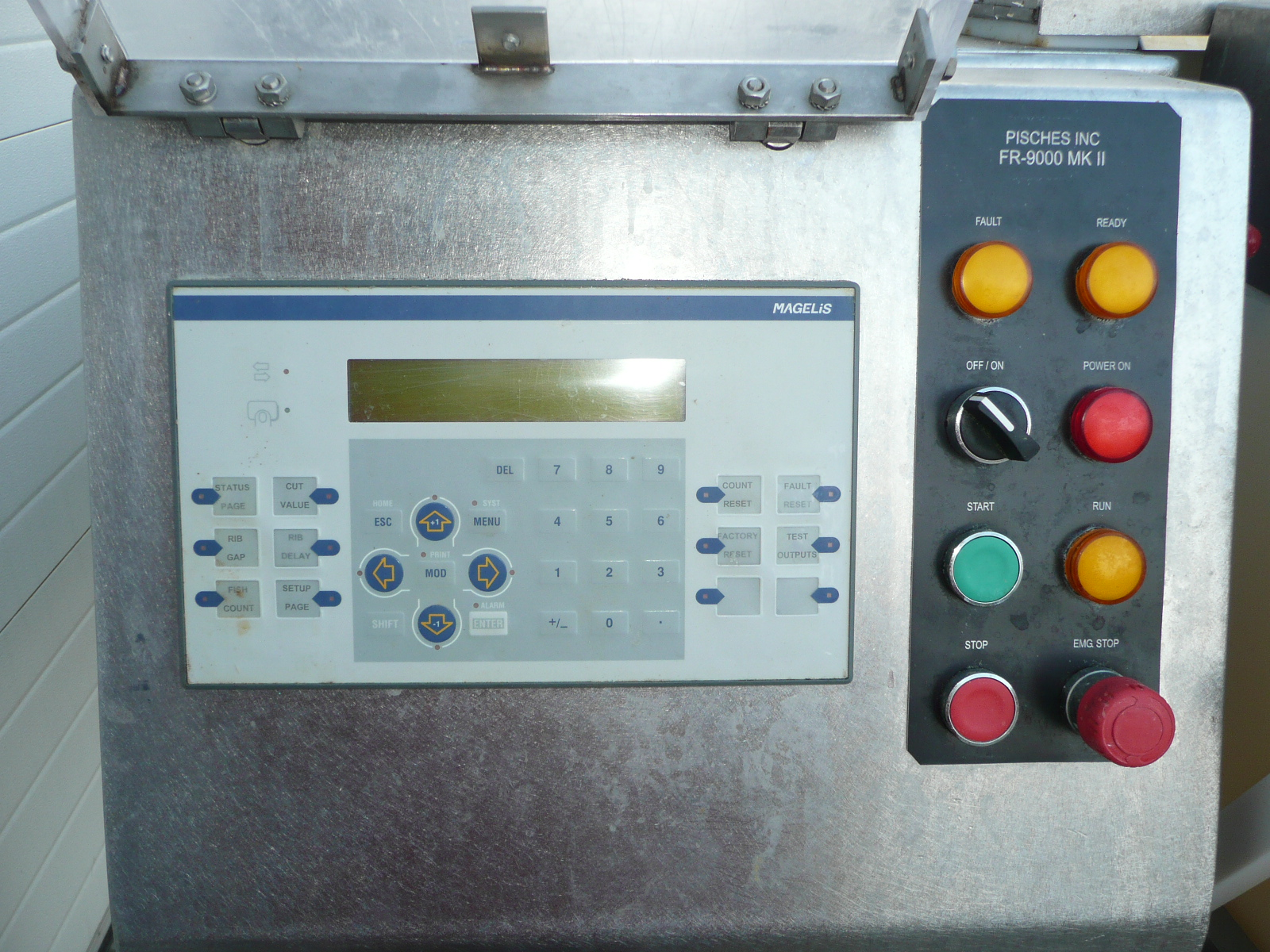 Pisces FR9000 MK-2 - Filleting machine for salmon and trout
