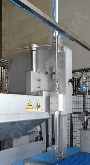 NMS Sawing machine for frozen bone-in and boneless products